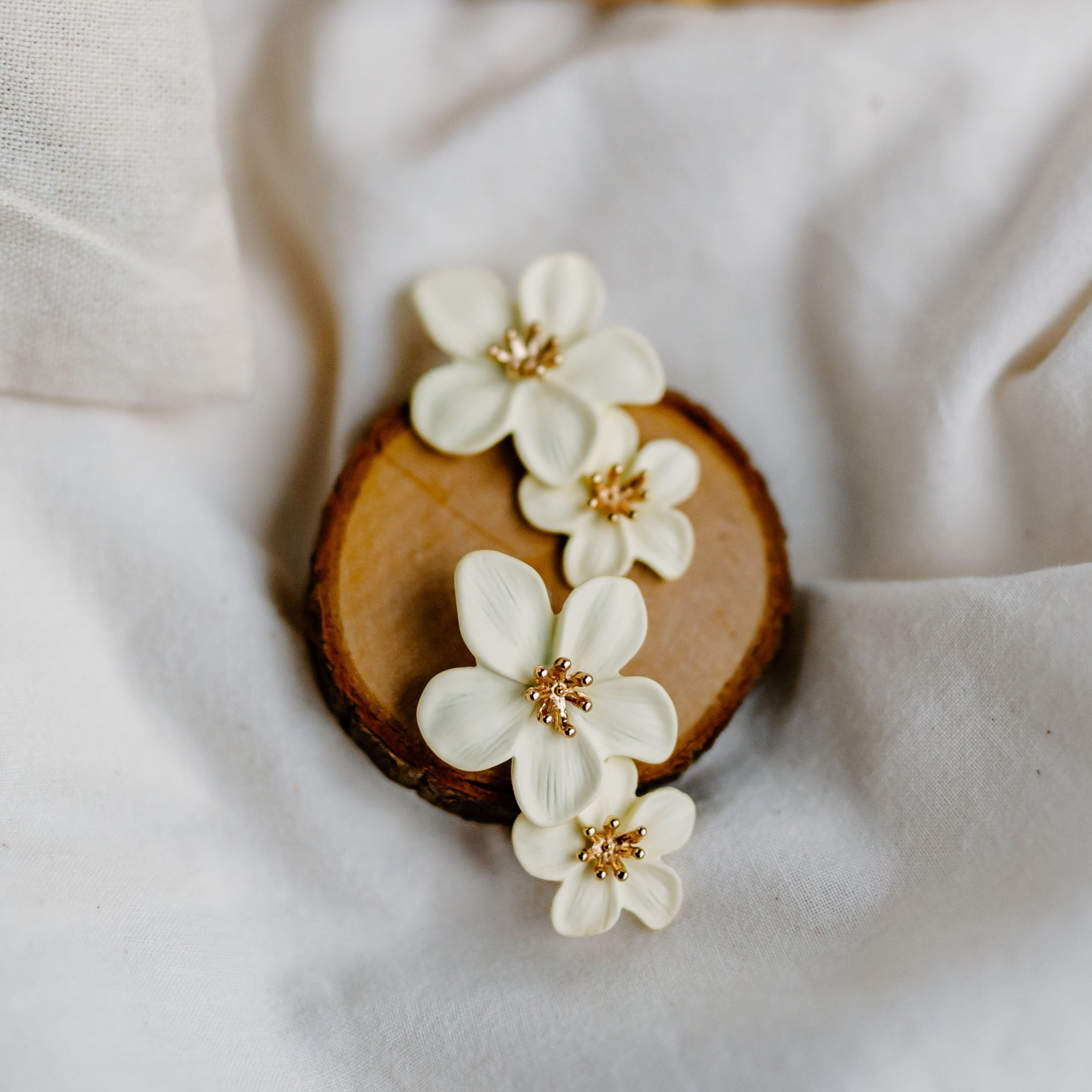 Florinna Earrings (Vanilla Cream)
