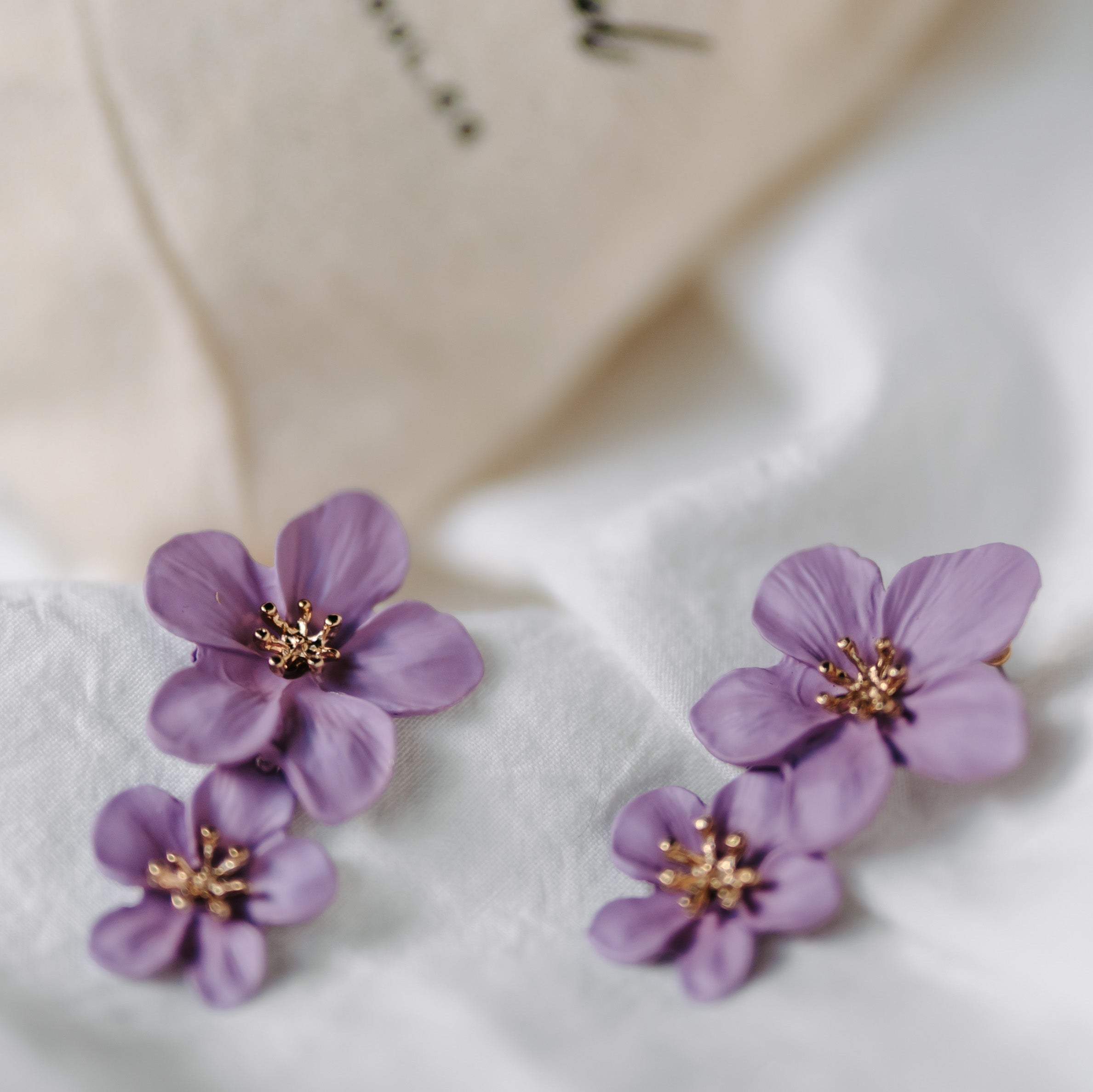 Florinna Earrings (Lilac)