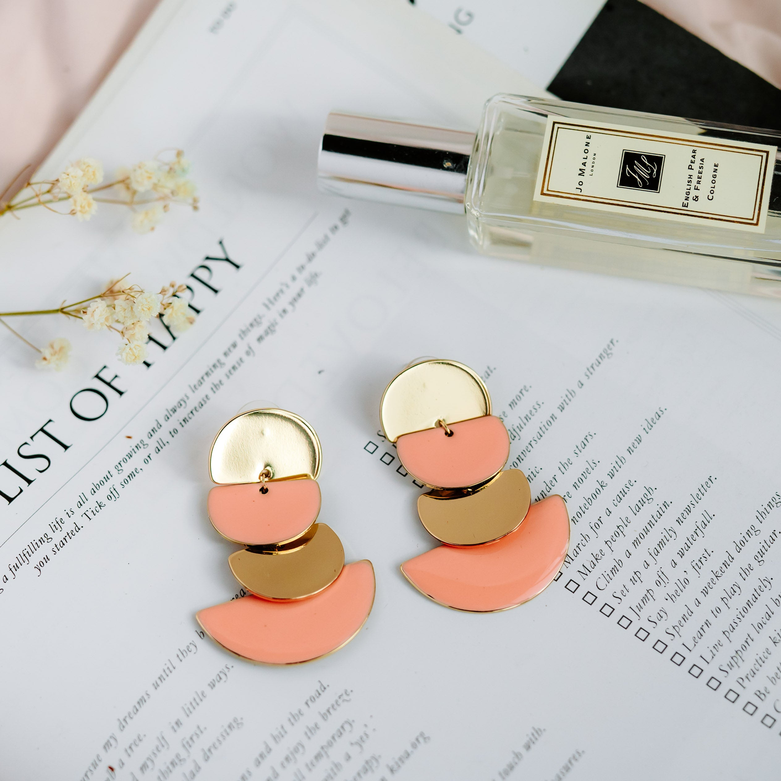 Doanna Earrings (Coral)