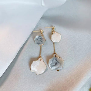 Iyrina Shell Earrings