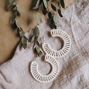 Caster Weaved Earrings (Cream)