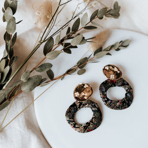 Elaine Batik Earrings (Black)