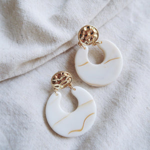 Christie Earrings (Sand)