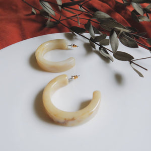 Livi Earrings (Cream)