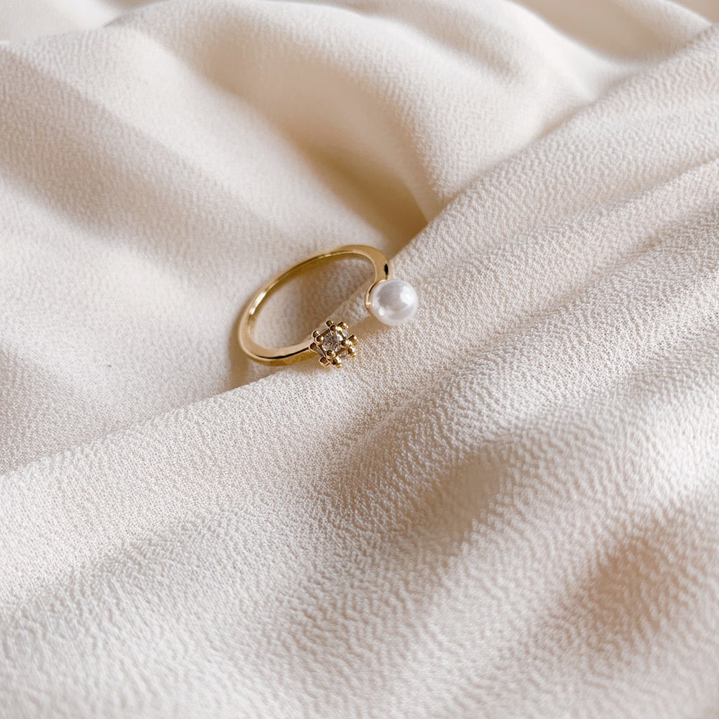 Kaia Pearl Ring (Gold)