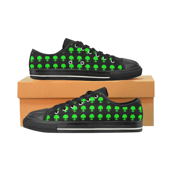 Green Alien Head Men's Classic Low Top Canvas Shoes | BigTexFunkadelic