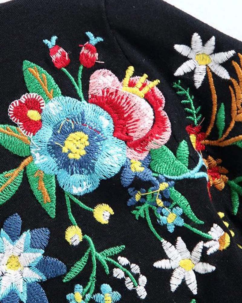 Casual Floral Embroidered Tee
