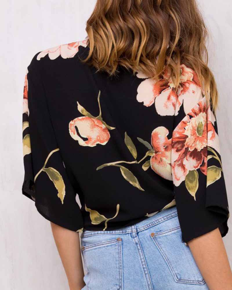 Flower Print Knotted Crop Blouse