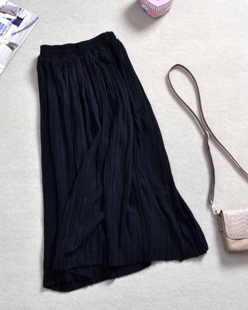 Black Plain Pleated Skirt