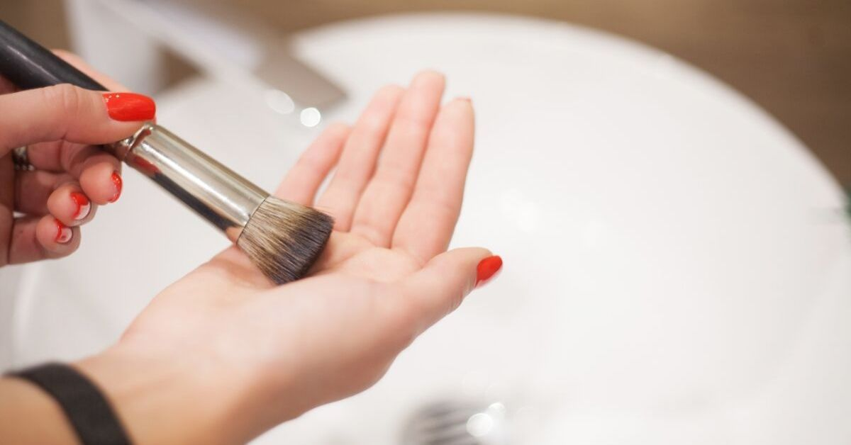 Here's How to Clean a Makeup Brush In 60 Seconds Tops