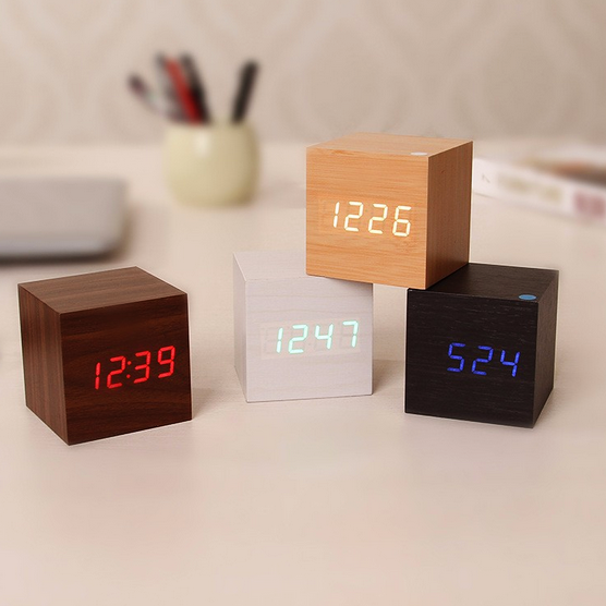 Inspire Uplift Oak/Blue Light Modern Digital Wood Clock