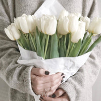 Inspire Uplift White 31 Real Touch Tulip Bouquet