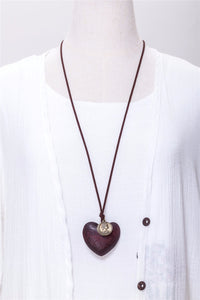 Chokers woman vintage wooden heart pendant necklace - GlamoRight.Com