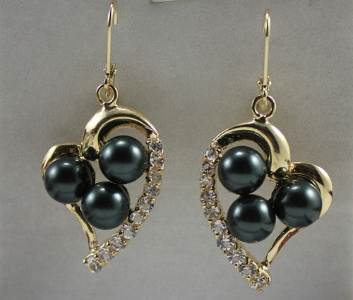 Round Shell Pearl With Heart-shape Stud Earring - Shop at GlamoRight.Com