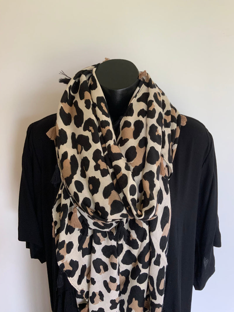 LEOPARD SCARF WITH TWISTS