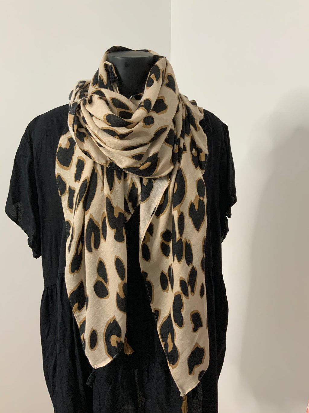 WILD THING - natural scarf