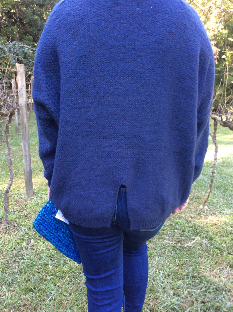The V JUMPERS- navy