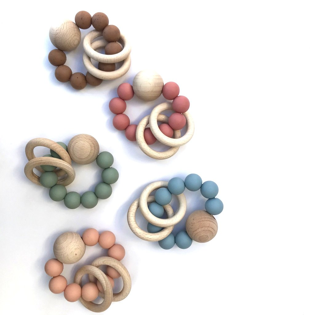 SATURN silicone and wood teething rattle toy