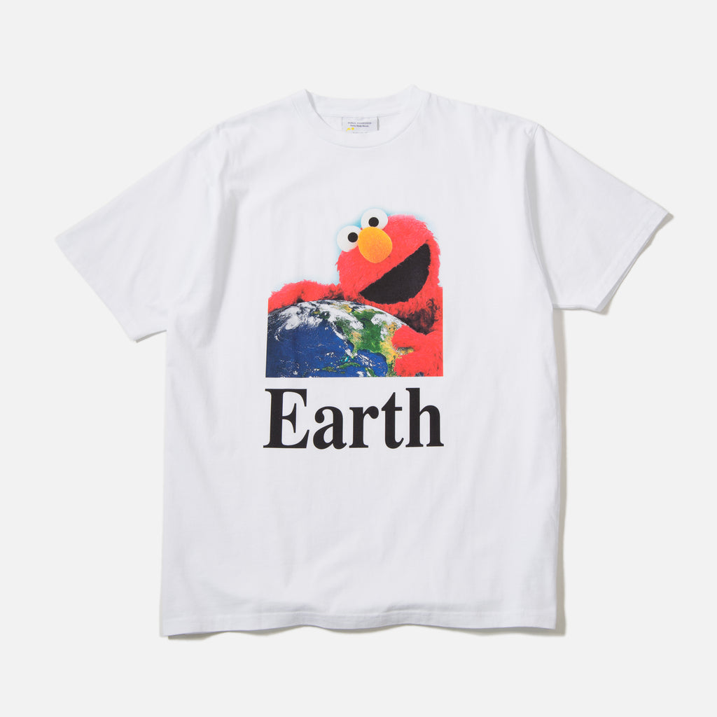 I Hug Earth t-shirt in white from Public Possession blues store www.bluesstore.co