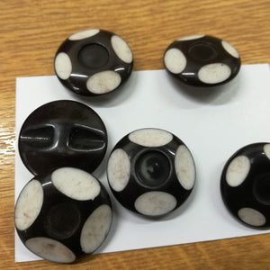 Buttons Plastic Round Shank 25mm (2.5cm) Black White