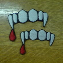 Motif Patch Vampire Fangs