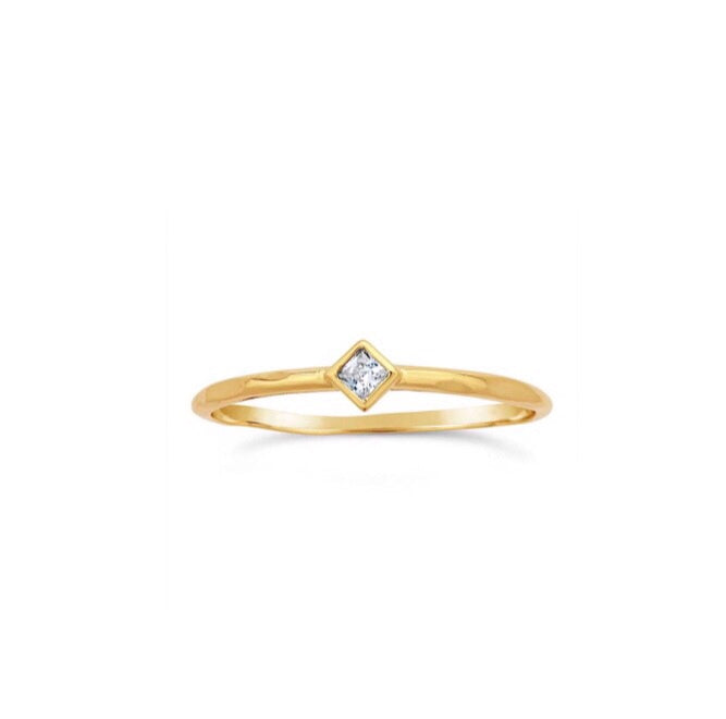 gold ring with diamond shape topaz, stacking rings, gold jewellery