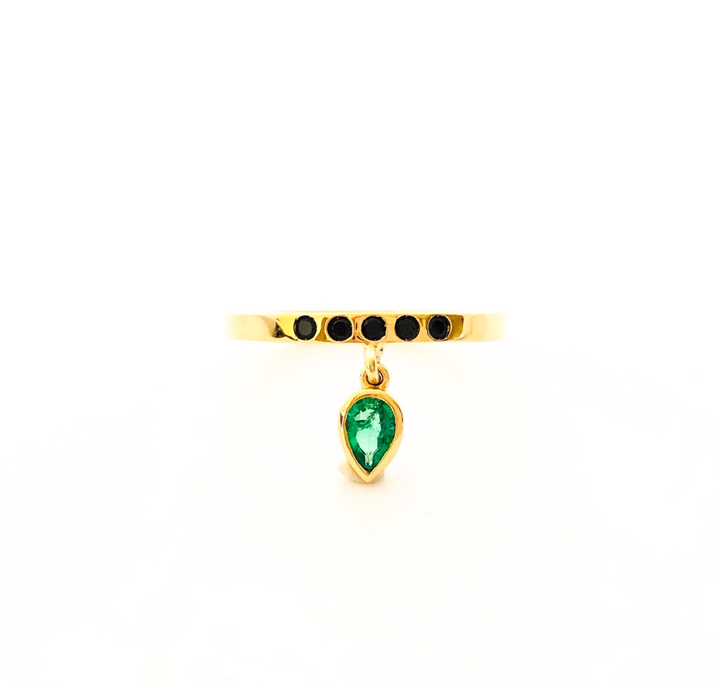 emerald and black spinel ring, delicate ring, serafin jewellery