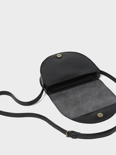 PARK Crossbody Bag CB03 Black, scenery