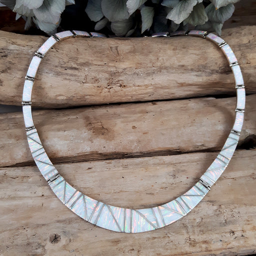 Flinder Nouveau White Necklace