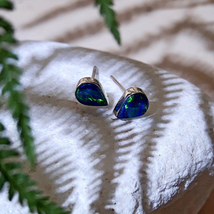 Flinder Blue Teardrop Stud Earrings