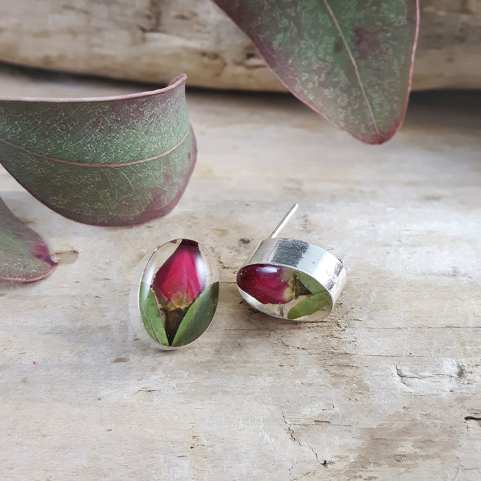 Flores Rosebud Oval Stud Earrings