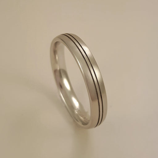 Gerstner 750 Polished White Gold Mens Wedding Band 26989/4