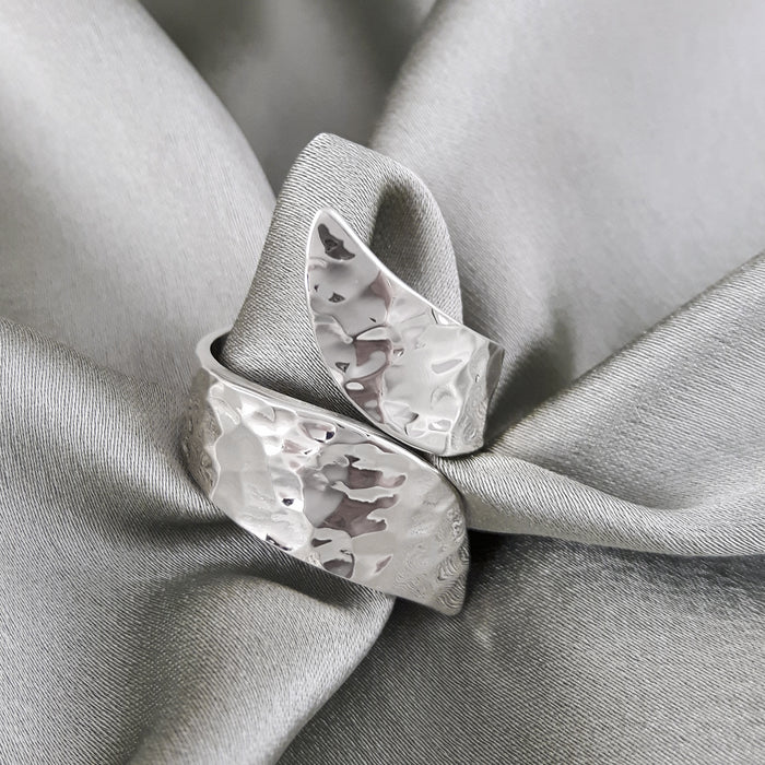 Glamour Hammered Polished Ring