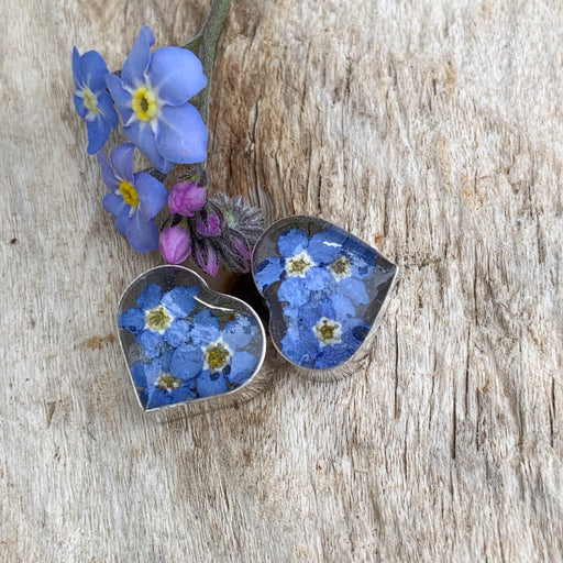 Flores Forget-Me-Not Heart Stud Earrings