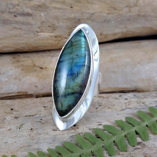 Monet Labradorite Oval XL Ring A