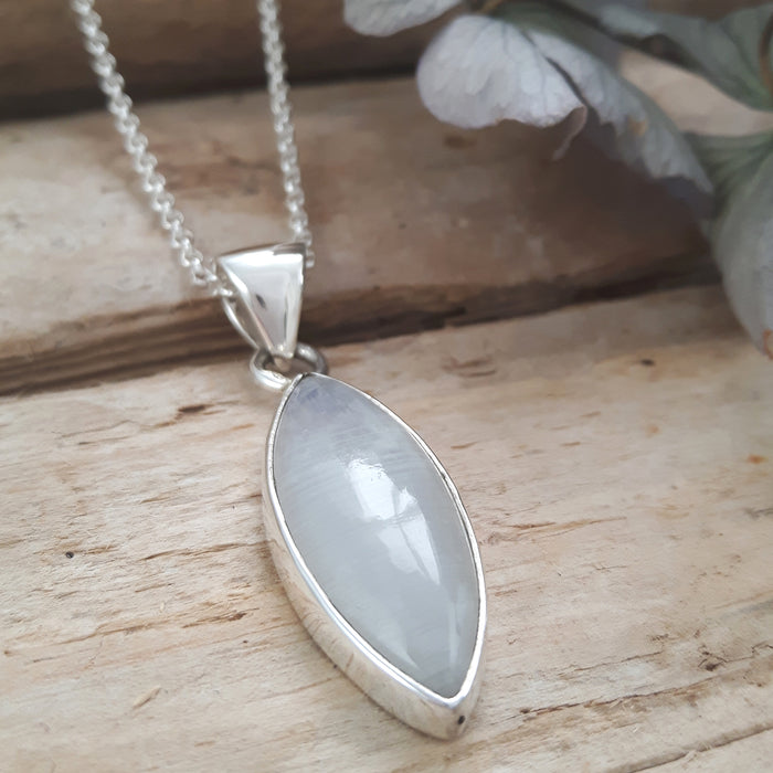 Monet Moonstone Med Pendant Oval A