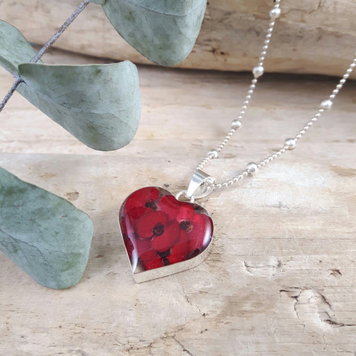 Flores Poppy Medium Heart Pendant