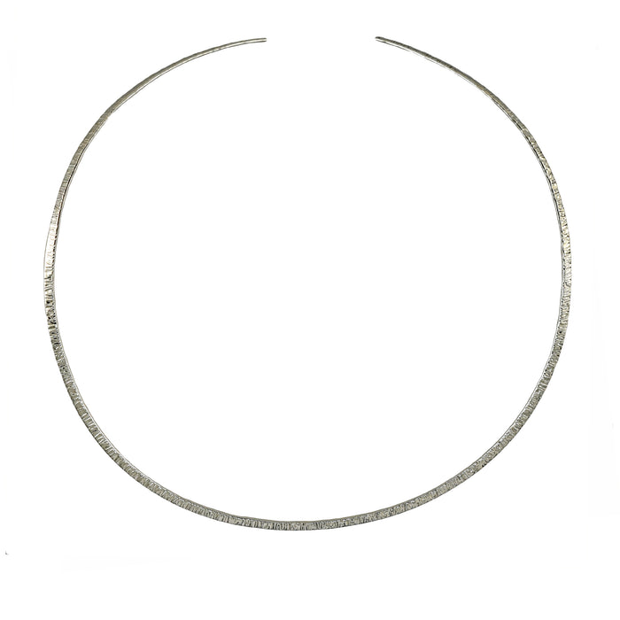 Vogue Textured Choker