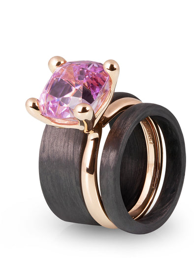 simple ring with kunzite in 18K rose gold and carbon rings