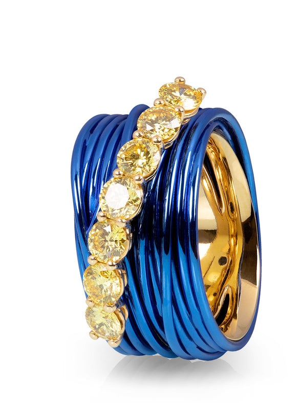 The Wire Ring with a Row of Canary Diamonds
