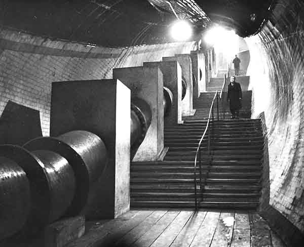 The time tunnel (Print 1961 CLYDE FOOT TUNNEL)