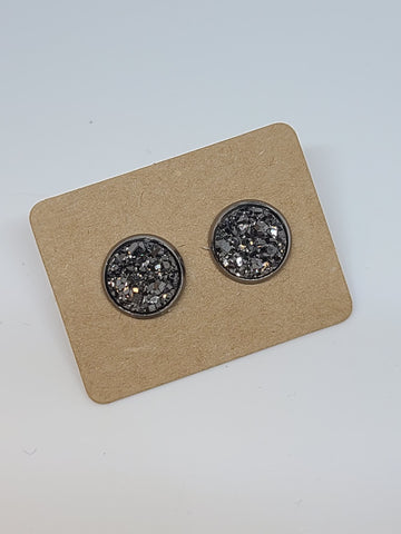 D111 - Gun Metal, Silver Setting - 10mm Druzy Earring