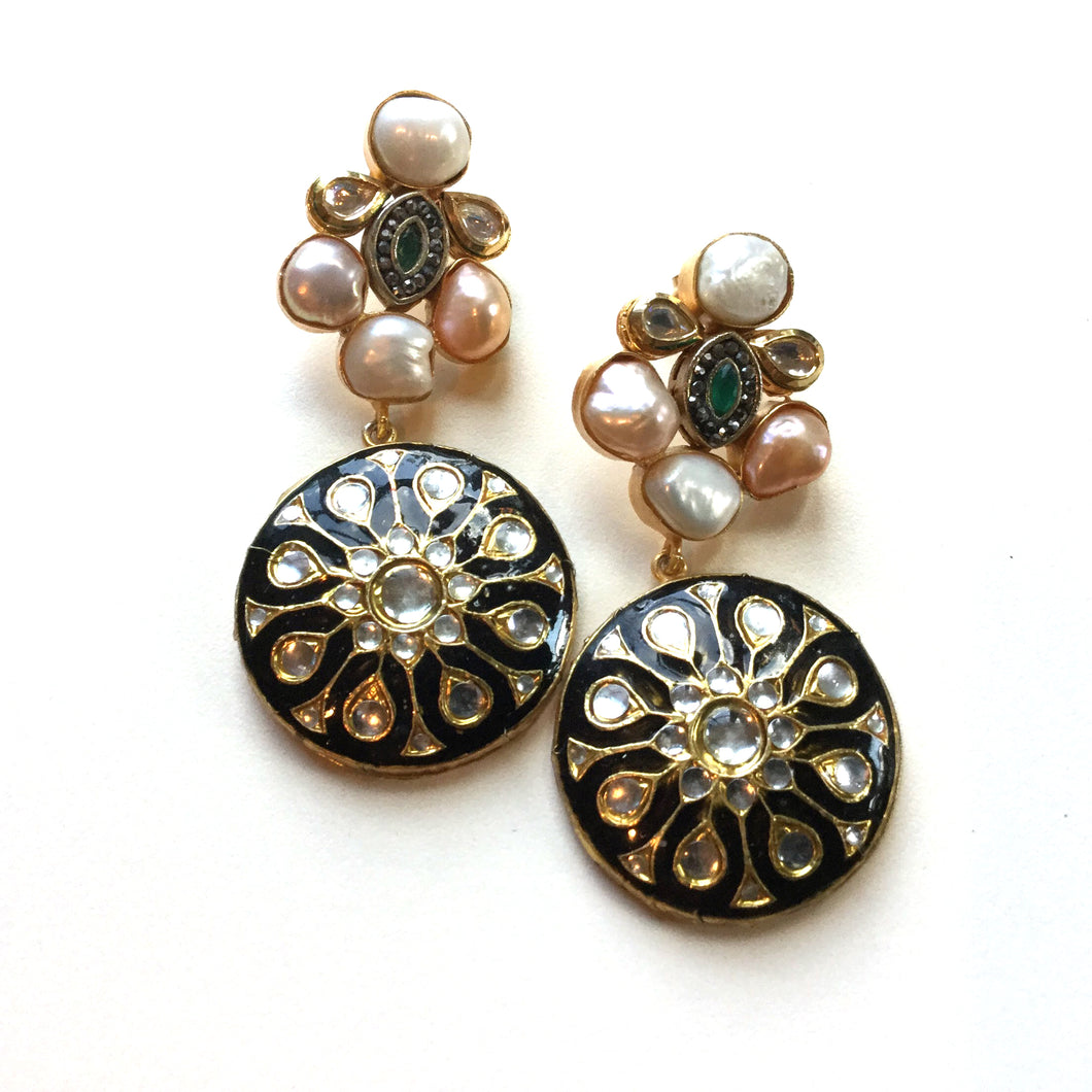 TD402  PEARL BLACK AND PEACH EARRINGS  ER1881