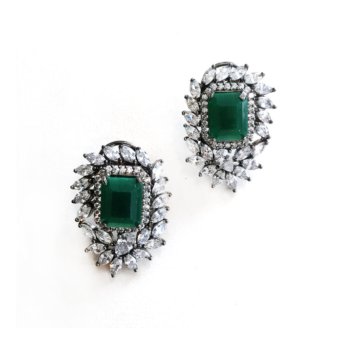PP1900E SEMIPRECIOUS GREEN AND DIAMONDESQUE CRYSTAL STUDS