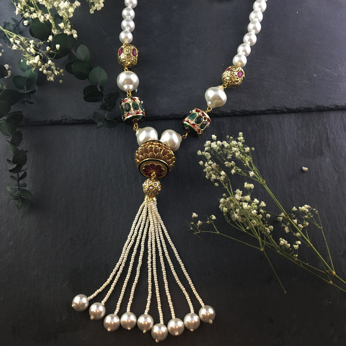 PP1978 WHITE PATCHI TASSEL NECKLACE NECKLACE