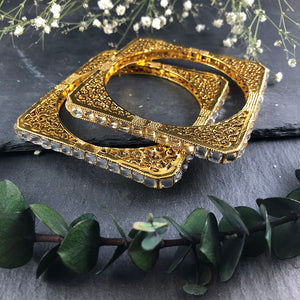 PP936A GOLD AND CRYSTAL SQUARE BANGLE BRACELET