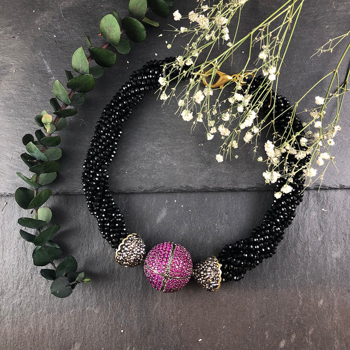 SG1190 CONTEMPORARY PINK AND BLACK SPARKLY NECKLACE