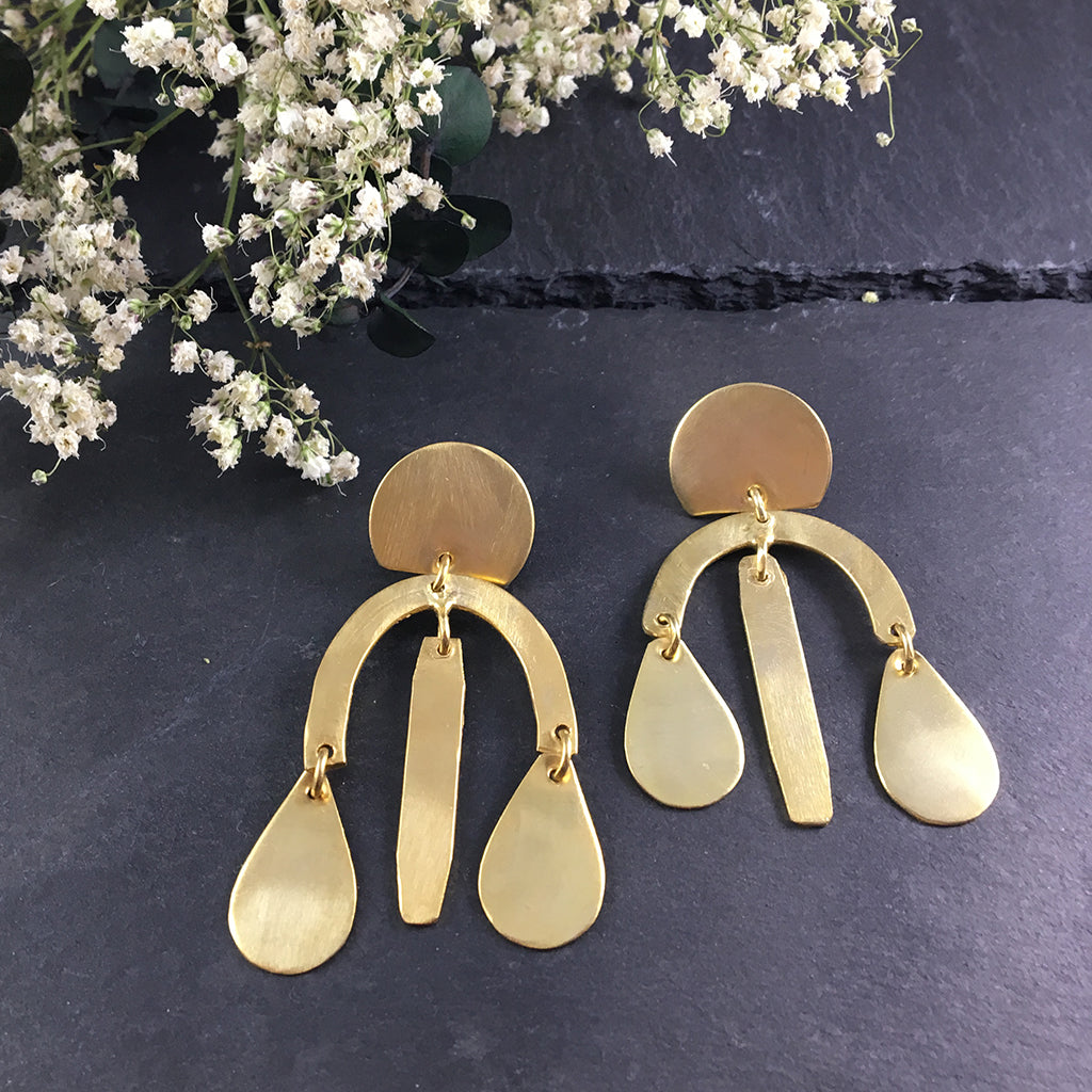SG1536E SCULPTURAL GOLD PLATE EARRINGS