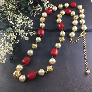 TD387 GOLD, PEARL AND RED BEAD NECKLACE