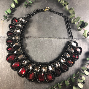 SE174 WEAVE CHRISTA BLACK AND RED NECKLACE